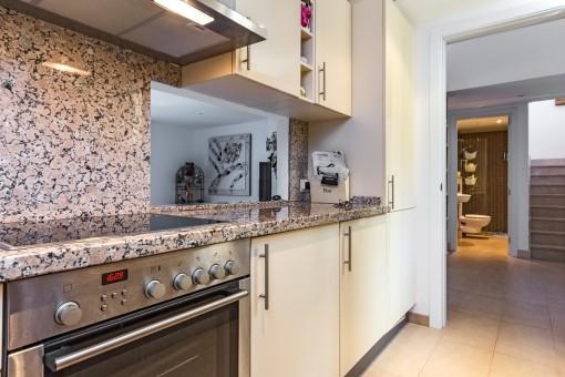 Blick von der Küche in den Flur