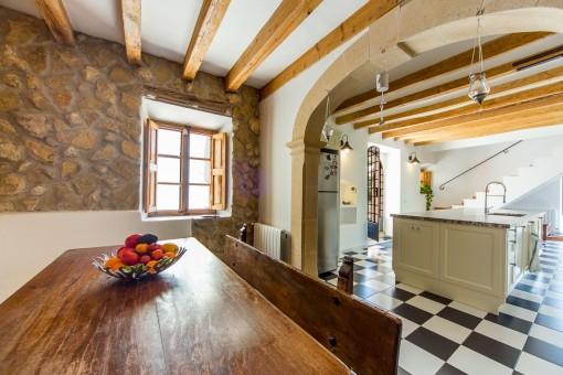 Offener Essbereich und Küche