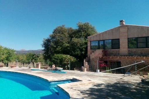 Große Wohnung auf einem Fincaanwesen mit Pool nähe Artá