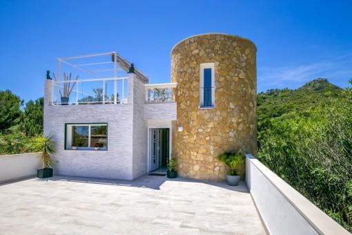 Moderne, geschmackvoll renovierte Villa mit tollem Poolbereich in Font de Sa Cala