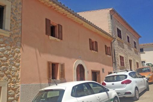 Gerade frisch renoviertes Dorfhaus im malerischen Campanet mit Südausrichtung und Panoramablicken