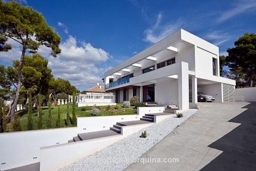 Moderne sonnendurchflutete Designervilla