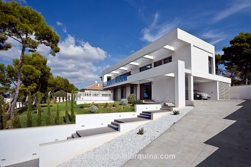 Moderne Sonnen durchflutete Designervilla in Cala Vinyas