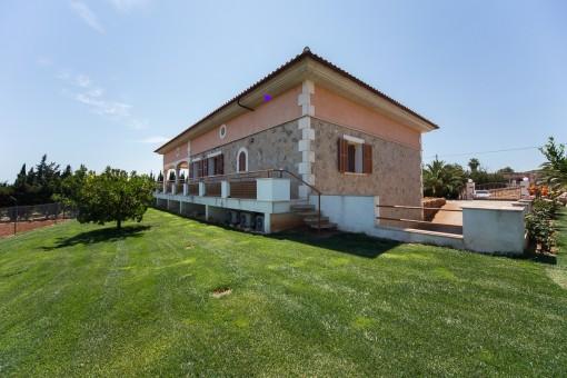 Finca mit großen Außenflächen für die landwirtschaftliche Nutzung