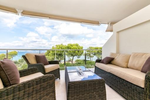 Luxusapartment mit traumhaftem Meerblick in begehrter Wohngegend in San Verí Nou