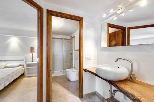 Modernes Gästebadezimmer
