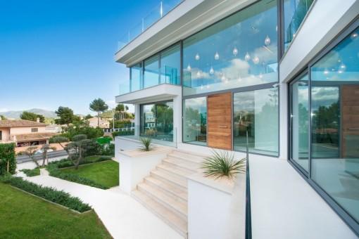 Moderne Designervilla in ruhiger Lage mit viel Privatsphäre in Nova Santa Ponsa