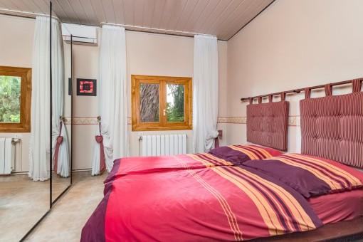 Das Haupthaus verfügt über 3 Schlafzimmer