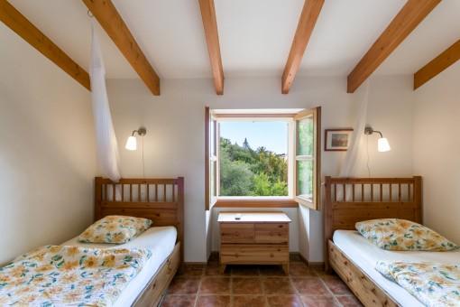 Schönes Schlafzimmer mit 2 Einzelbetten