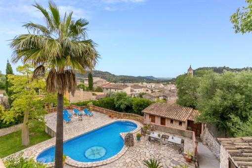Finca am Dorfrand mit großem Pool, Gästehaus und spektakulärem Blick in Mancor de la Vall im Tramuntanagebirge