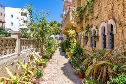Die Immobilie könnte in ein Haus mit bis zu 8 Wohneinheiten konvertiert werden