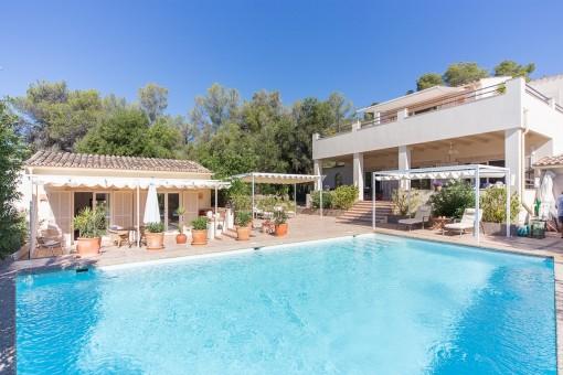 Villa mit Finca-Feeling in privilegierter Lage am Stadtrand von Palma