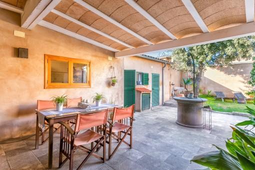 Komplett renovierte Dorfhaus in ruhiger Wohnlage in Muro mit der Möglichkeit für den Bau eines Pools