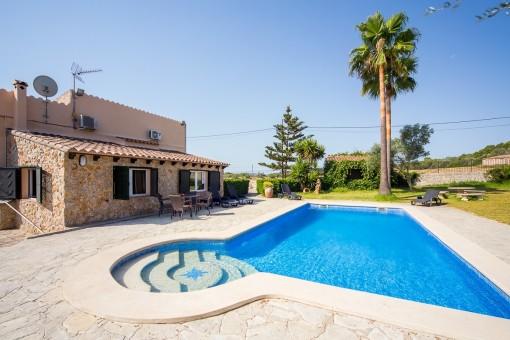Romantische ruhig gelegene Finca mit Vermietungslizenz, Pool und schönem Garten bei Sineu