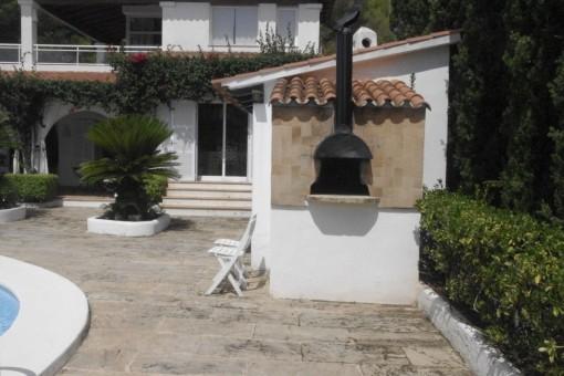 Kamin auf der Terrasse