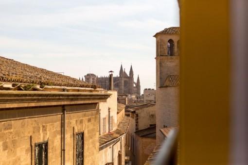 Helles Atico in der Altstadt von Palma mit Blick auf die Kathedrale