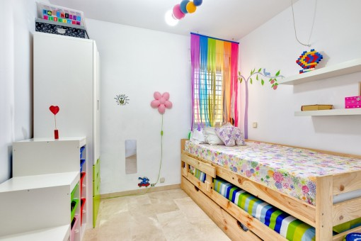 Freundliches Kinderzimmer