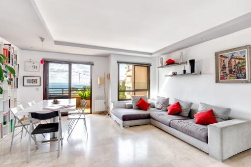 3-Schlafzimmer-Wohnung mit herrlichem Meerblick in kleiner Wohnanlage in San Augustin (Palma)