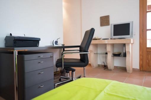 Arbeitsbereich in einem der Schlafzimmer