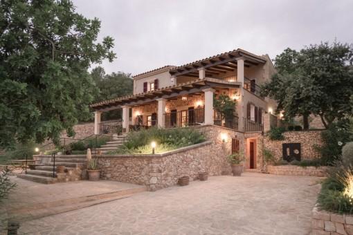 Wunderschönes Anwesen mit traumhaftem Blick auf die Berge von San Salvador