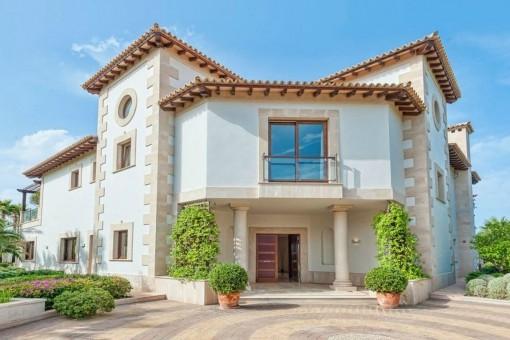 Herrschaftliches Anwesen über den Dächern von Puerto de ...