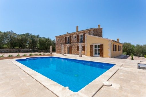 Exzellente Neubau-Finca mit Pool in ruhiger Landschaft zwischen Montuiri und Porreres