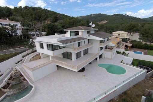 Möblierte Luxusvilla mit 7 Schlafzimmern, Fußbodenheizung und Pool in renommierter Lage in Son Vida