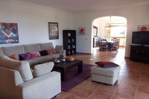 Die Finca bietet eine Wohnfläche von ca. 335 qm