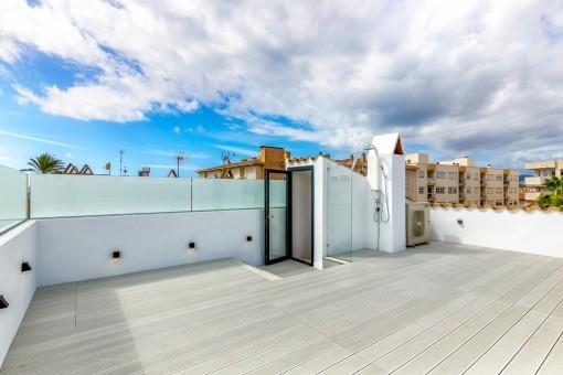 Tolle Dachterrasse mit viel Potenzial