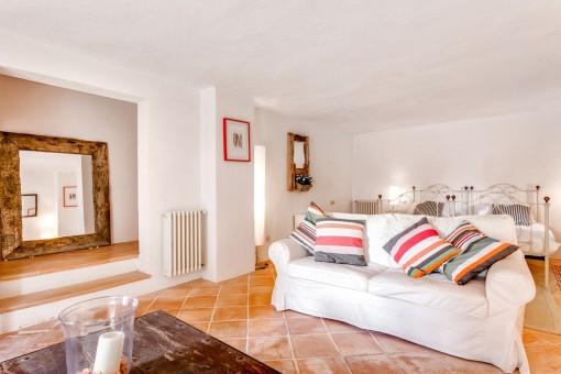 Separates Gästeapartment mit Wohn- und Schlafbereich