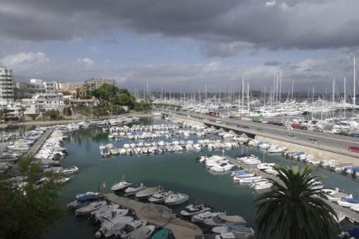 Wohnung in Bonanova mit Blick auf den Hafen Can Barbara und Paseo Maritimo
