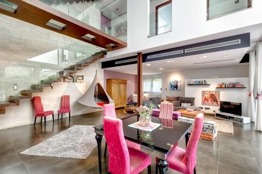lichterf lltes stilobjekt understatement und gro e geste modernes stadthaus in alar mit. Black Bedroom Furniture Sets. Home Design Ideas