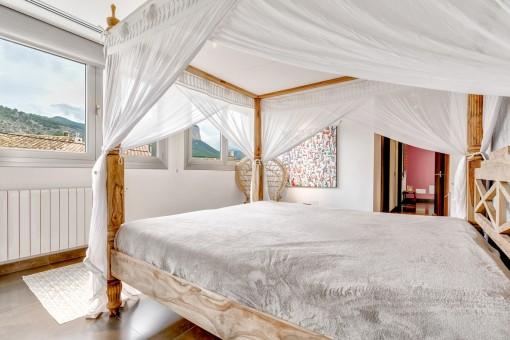 Doppelschlafzimmer mit Bergblick