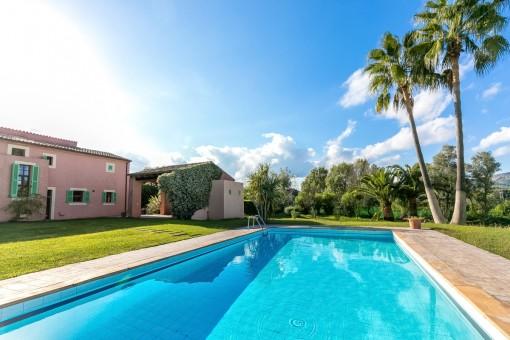 Schöne Finca mit gepflegtem Garten und Pool in der Nähe von Arta