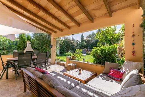 mediterranes chalet an der bucht von palma kaufen. Black Bedroom Furniture Sets. Home Design Ideas