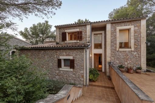 Sehr moderne und wunderschöne Villa aus Stein in Valldemossa