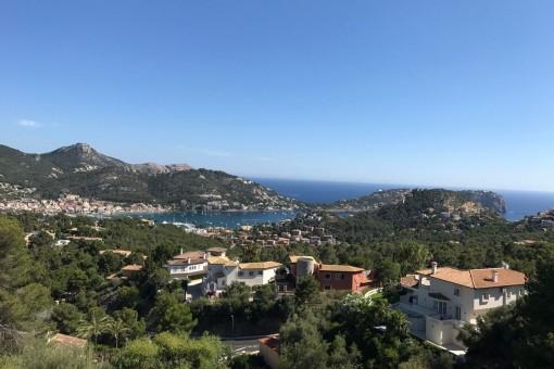 Herrlicher Blick auf die Bucht und den Hafen von Andratx