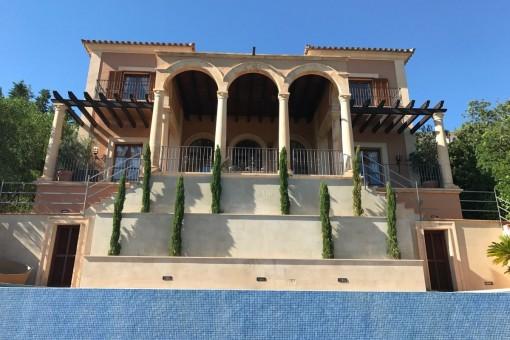 Luxuriöse Traumvilla mit spektakulären Blicken auf das Meer am höchsten Punkt von Puerto Andratx