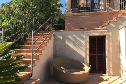 Das Haus verfügt über einen Saunabereich im Garten