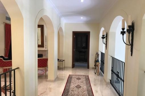 Eingangsbereich mit Kamin