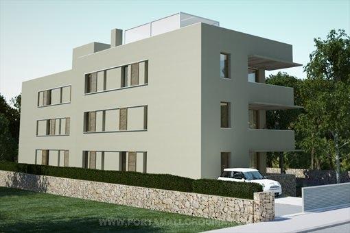 Großräumige Penthouse-Wohnung in ruhiger Lage nahe dem Strand  Cala Agulla