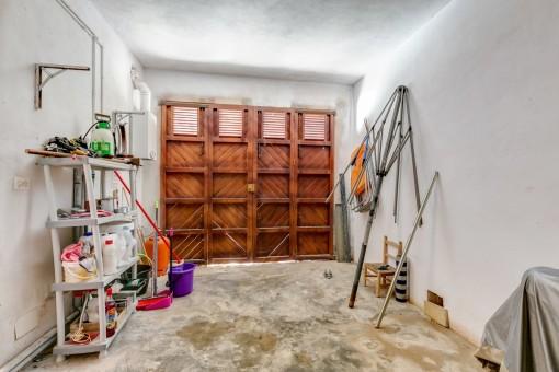 Die Garage bietet viel Platz