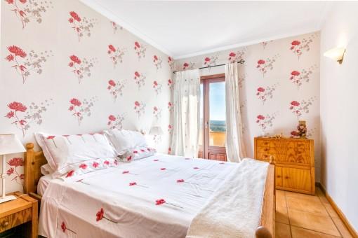 Ein weiteres schönes Doppelschlafzimmer