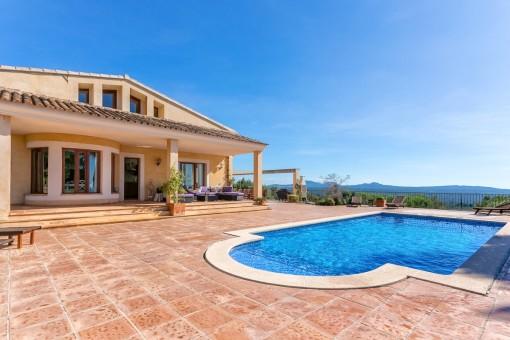 Dieses luxuriöse Anwesen bietet viel Platz