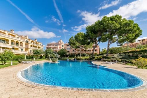 Penthousewohnung mit tollem Poolblick in der Nähe von Palma