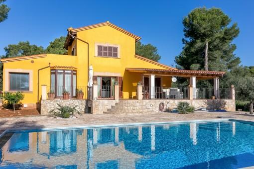 Frisch renovierte Villa mit Pool, 5 Schlafzimmern und Gästehaus in Puntiro