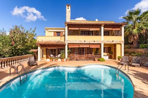 Villa in einer der besten Wohngegenden Santa Ponsas und absoluter Ruhe