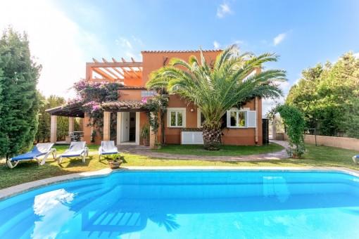 Charmante Villa mit Vermietlizenz und Meerblick bei Cales de Mallorca