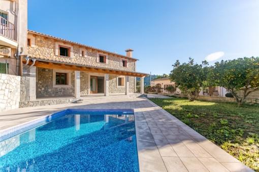Fantastisches Neubauhaus mit Pool und Weitblick im Herzen von Mancor de la Vall