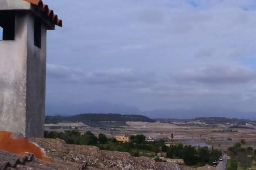 Renoviertes Dorfhaus in ruhiger Lage und Weitblick, mit 3 Schlafzimmern, Terasse und Garage, in Maria de la Salut